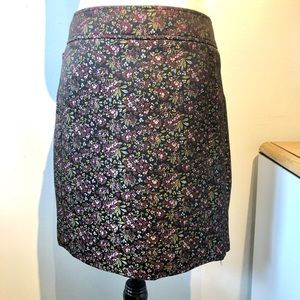 LOFT Ann Taylor | flowery skirt with pockets